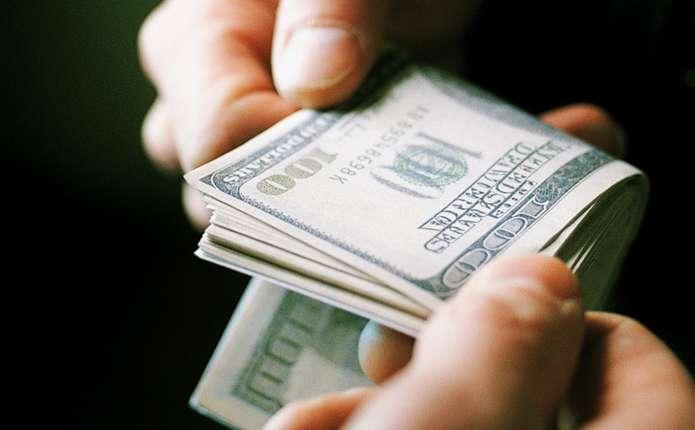 Требовал 20 000 долларов: Скандального майора полиции задержали за взятку