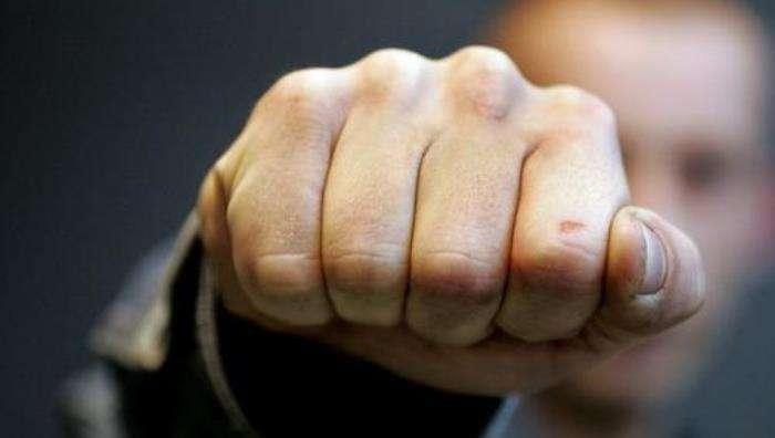 До поломанных челюстей: В спортзале подрались детские тренеры по борьбе, одного из них госпитализировали