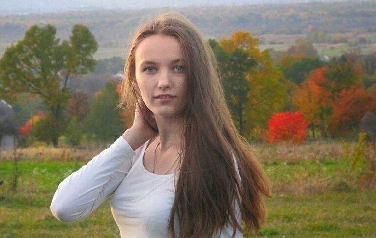 «Хоть бери и умирай»: 17-летняя Иванка о борьбе со смертельной болезнью
