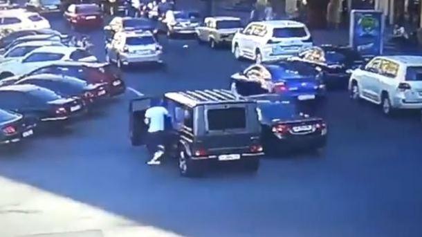 «Это не может быть правдой, никто из нас не хотел драки»: Подозреваемый в нападении на Найема дал первые показания