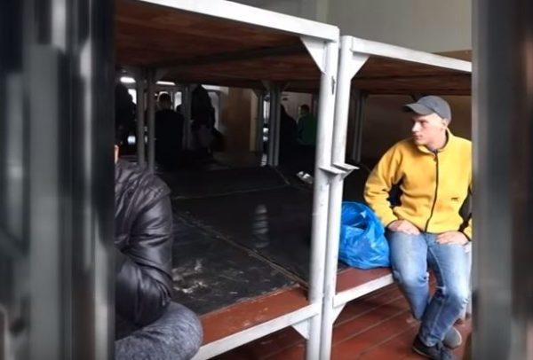 «Забрали прямо из туалета …»: В столице начали «вылавливать» призывников