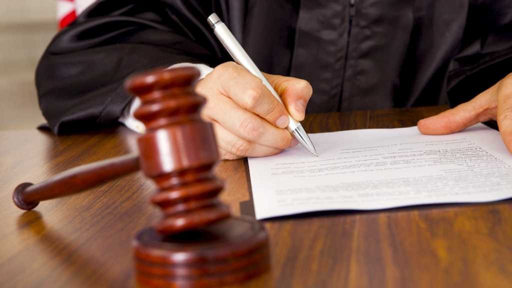 «Именно по его постановлению силой разогнали Майдан»: Почему одиозный судья до сих пор работает и за что получил более 700 тчс. гривен