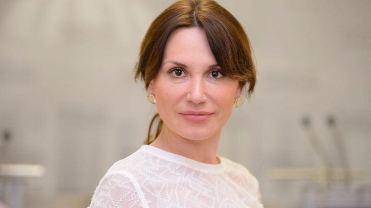 «Вышла замуж за иностранца с украинскими корнями»: Что известно о соблазнительной нардепке от партии «Самопомощь» Ирине Сисоенко