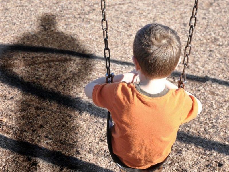 «Побег из дома обернулся настоящей трагедией»: Бомж-педофил жестоко изнасиловал маленького мальчика