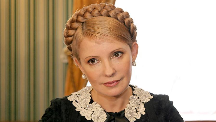 «Не хватает только кнута …»: Известный блоггер показал фото Тимошенко, где она обнажила пикантную часть тела