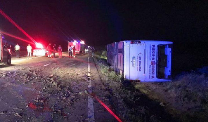 «На место аварии прибыли 13″ скорых»: В Румынии в ДТП попал автобус с украинцами, которые возвращались с отдыха