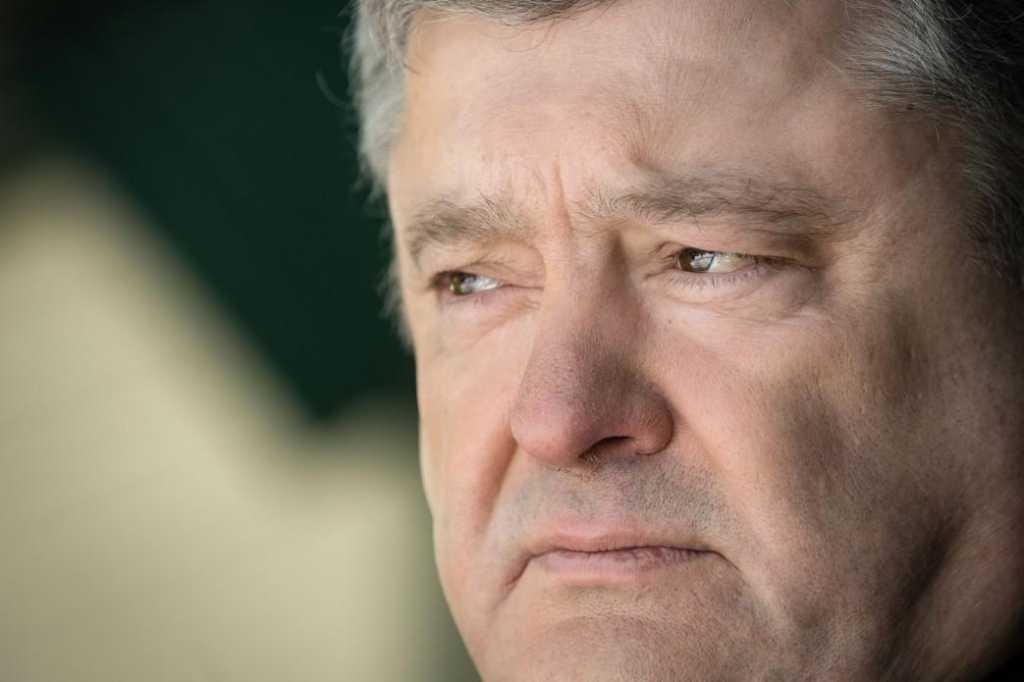 Украинские активисты подали на Порошенко в суд: В чем обвиняют Президента