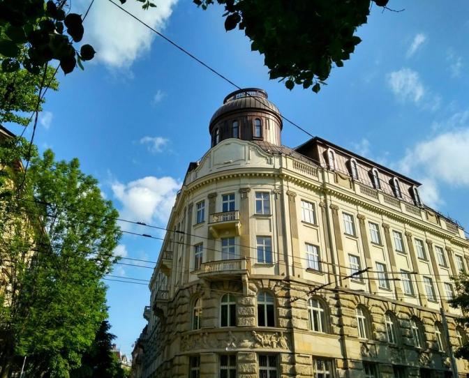 Вложили почти 20 миллионов долларов: во Львове бывший работник спецслужб и банкир открыли премиум-отель
