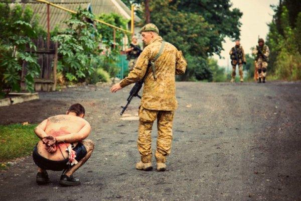 «Обещали убить мать и изнасиловать сестру»: Украинский боец рассказал о 1047 днях ужаса в плену ДНР