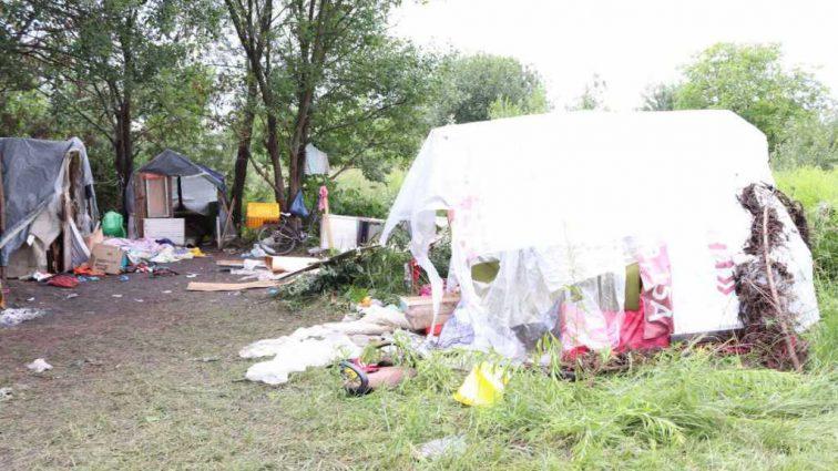 «Группой закололи 24-летнего парня»: Стало известно, кто устроил резню в львовском лагере ромов