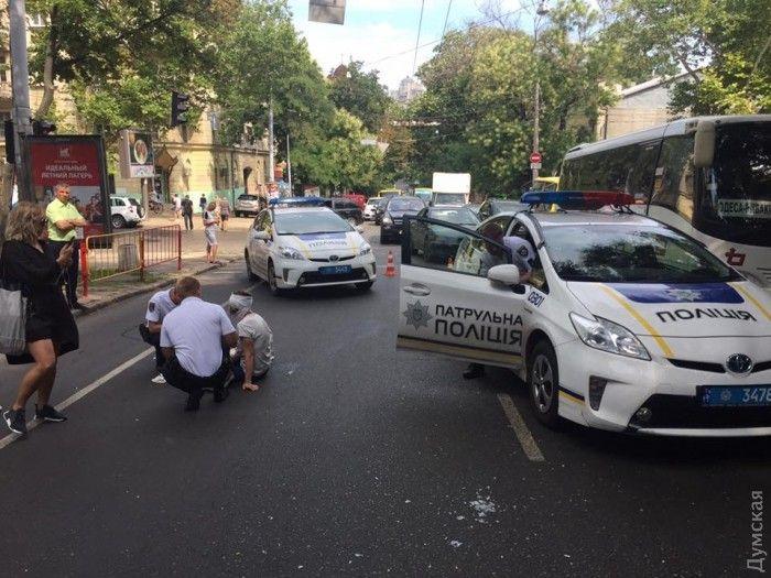 Второй раз за неделю: Во Львове полицейский совершил ДТП с пешеходом