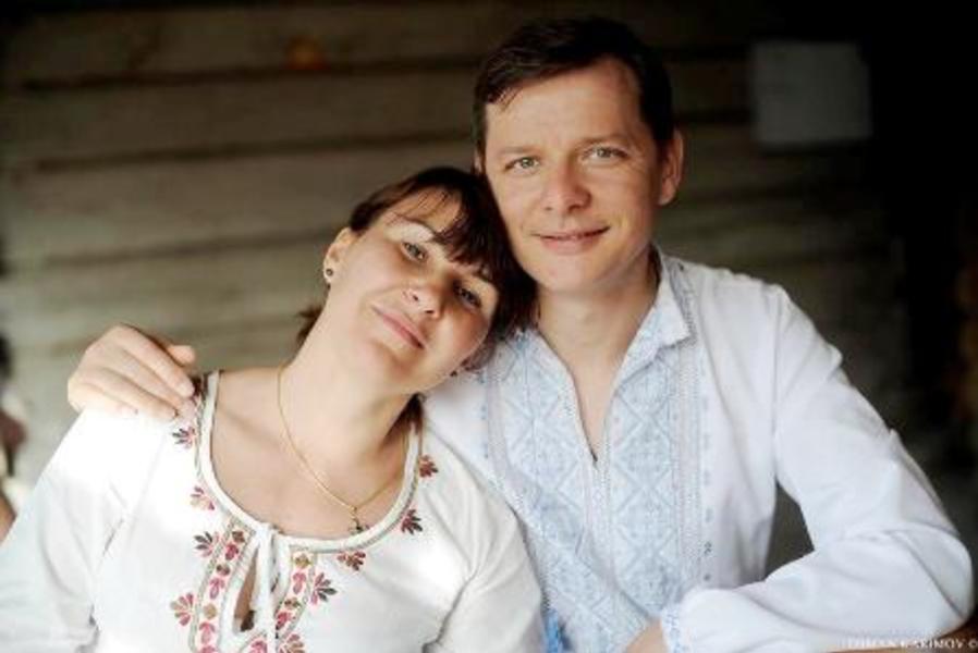 «Ах эта свадьба, свадьба …»: Женившийся Ляшко забавно спел своей жене