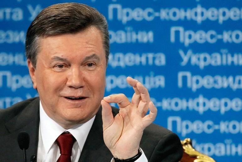 «Они даже ходили вместе голышом …»: Стало известно о скандальных отношениях между Януковичем и его советником