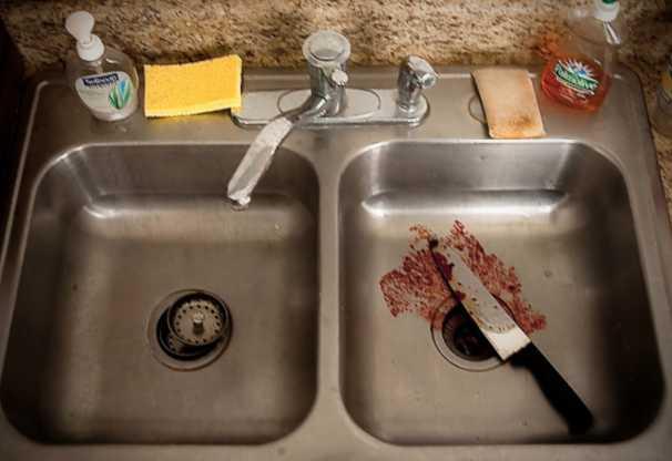 Отрезал половой орган и всунул в рот убитого: украинец жестоко убил мужчину на заработках