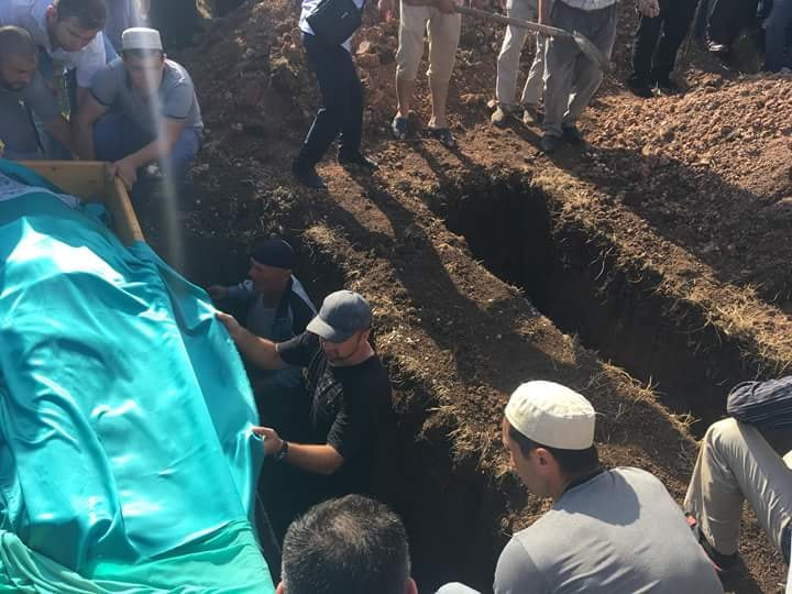 «Зарезал их же кухонным ножом…»: Сеть всколыхнули ужасающие подробности убийства семьи крымских татар (ФОТО)