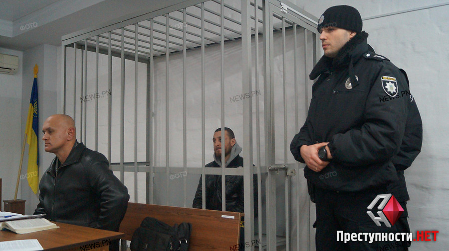 «Зашил себе нитками рот …»: Украинский заключенный ошеломил присутствующих на судебном заседании