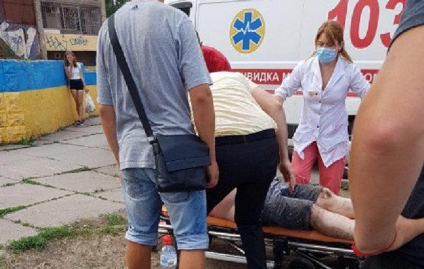 «Подошел к стеле с фото погибших и …»: Ветеран АТО поджег себя прямо в центре Кривого Рога
