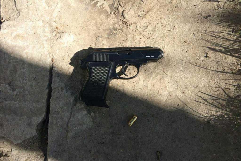 Стрельба на детской площадке в Мариуполе: Известно о раненых