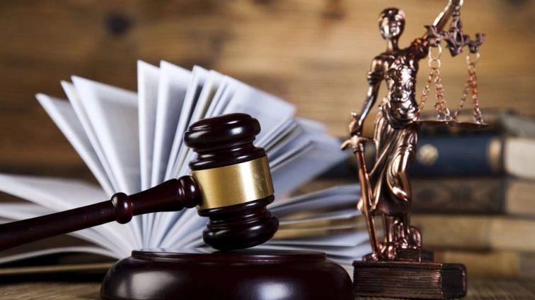 «Нарушая нормы законодательства Украины, правила…»: Судью из Днепра заподозрили в мошенничестве