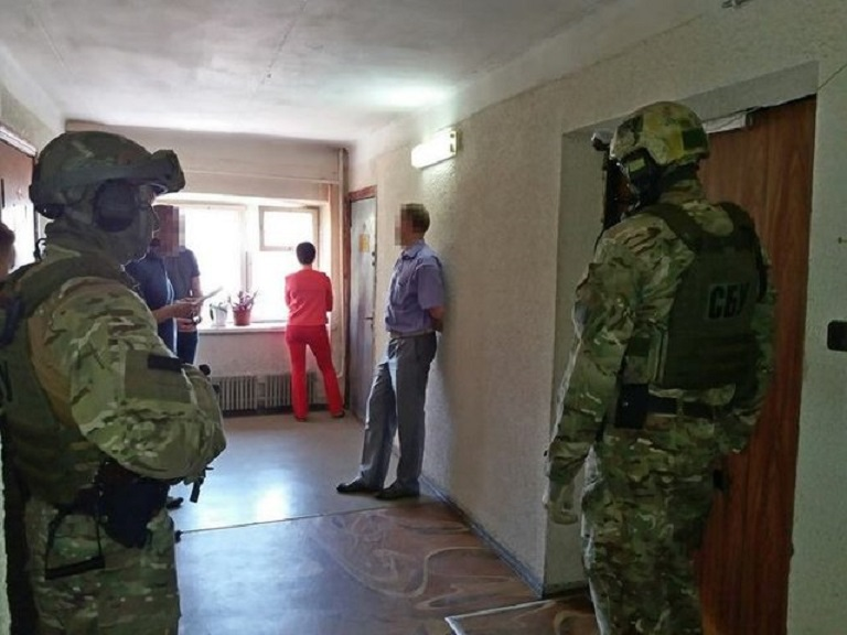 В Харькове на крупной взятке попался полковник полиции