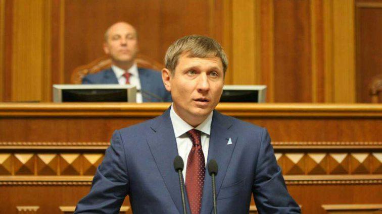 «Продолжают цинично грабить …»: Нардеп рассказал, как олигархи наживаются на украинцах