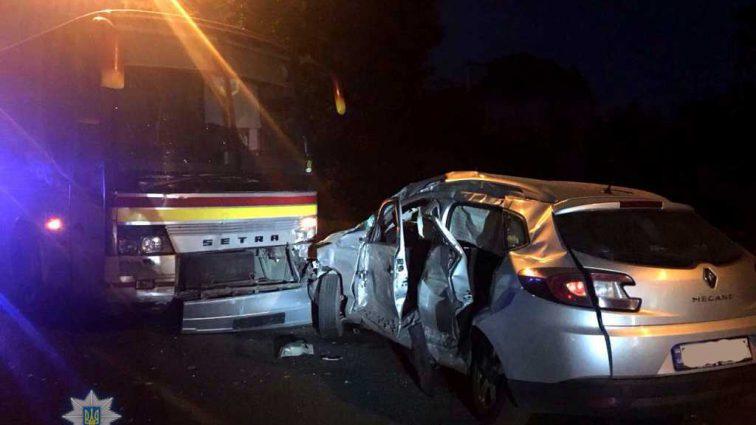 В ДТП в Ровно легковушка влетела в пассажирский автобус: Погиб погиб известный украинский оператор