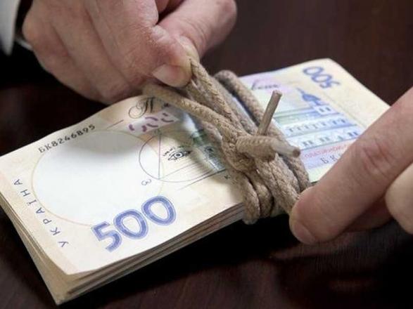 Требовал 3 тыс. долларов: «На горячем» задержан чиновника Ровенской ОГА