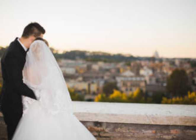 «Платье за 14 млн, 1000 гостей, и танцы под …»: 18-летняя дочь известного бизнесмена устроила свадьбу века