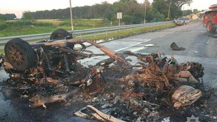 Умер в больнице: стало известно, что за рулем «огненного» авто был известный бизнесмен