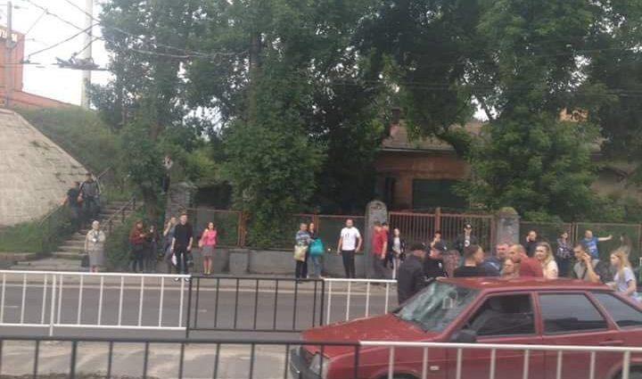 Проклятое место: В центре Львова на пешеходном переходе вновь сбили женщину