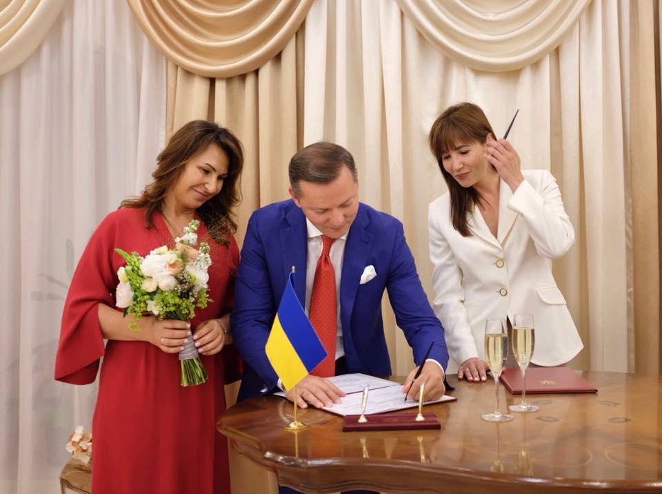 Новая украинская семья: Ляшко официально женился на Росите (ФОТО)