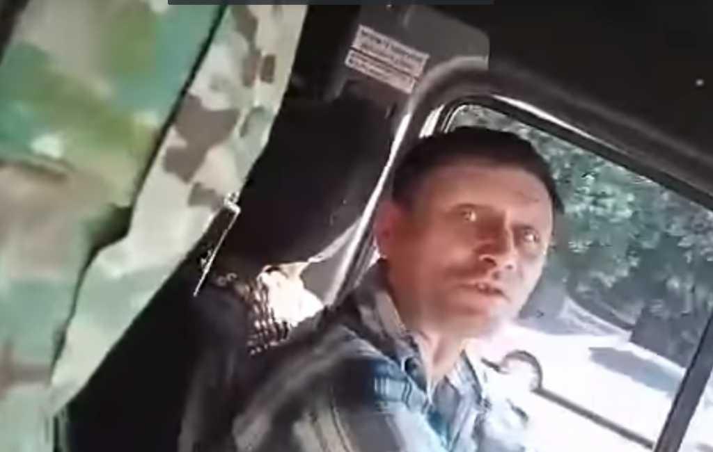 «Ты, бл*ть, особенный?»: В Запорожье маршрутчик, который унизил АТОшника, поплатился за свой поступок