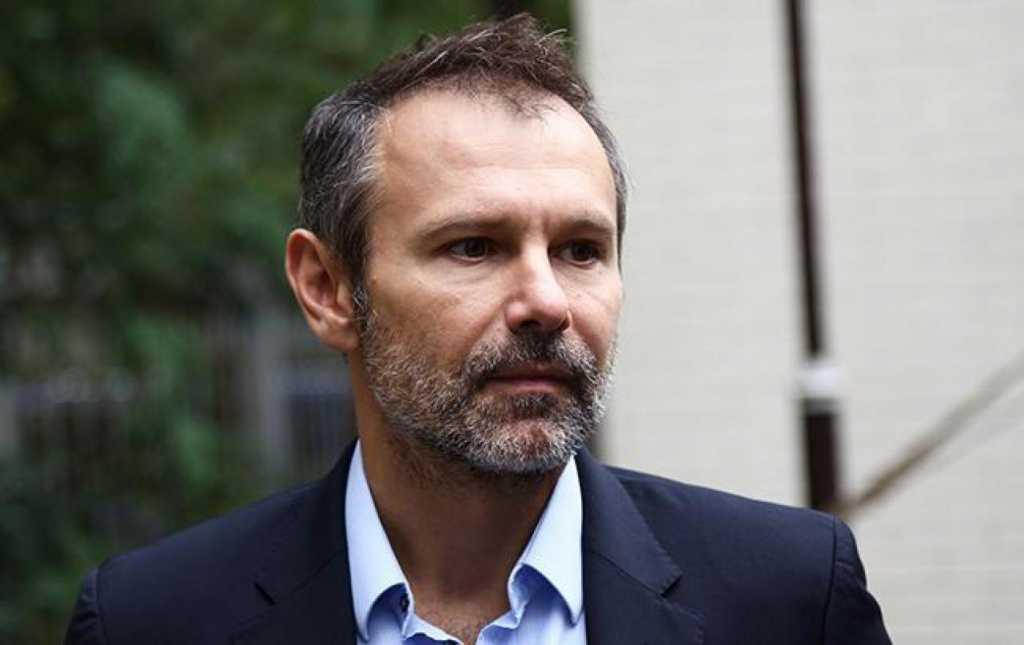 «Наказание для подонков с депутатскими мандатами»: Вакарчук жестко отреагировал на столкновения в Верховной Раде