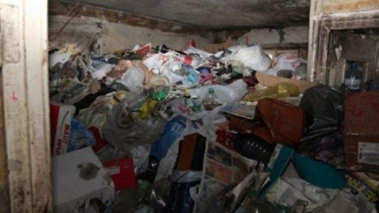«Побежали мыши и вывалился череп с волосами …»: Жителей Харьковщины ошеломила страшная находка прямо в квартире