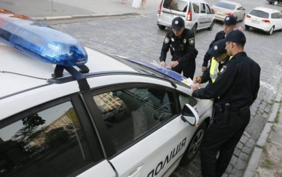 «У вас непонятная частота моргания…»: Новые причины остановки водителей, которые придумала полиция, возмутили украинцев