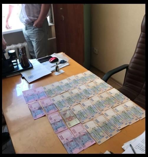 «Поймали на горячем»: СБУ задержала наглого чиновника-взяточника
