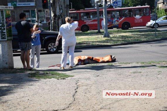 «Просто на зебре»: Маршрутка на большой скорости сбила пешехода (видео)