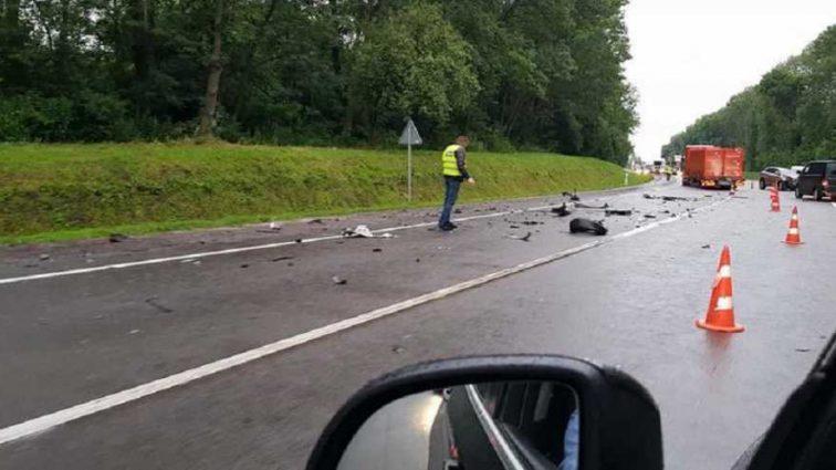 От машины остались куски металла: Посол Швейцарии попал в жуткое ДТП на Львовщине
