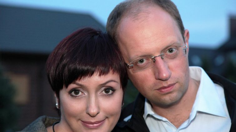 «Пластические операции, интересные родители и миллионная прибыль»: Вся правда про жену экс-премьера Арсения Яценюка. Чем сейчас занимается женщина