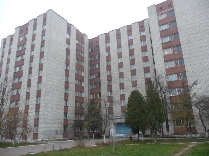 Переломал череп: Во Львове при загадочных обстоятельствах из окна общежития выпал студент