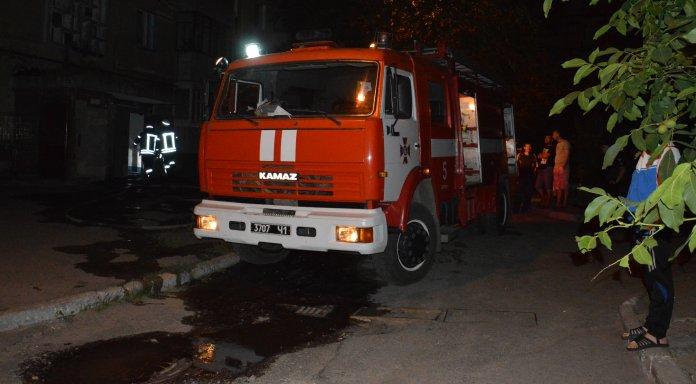 Многоэтажный дом охватил пожар: Есть жертвы