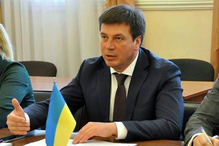 Сумма превышена в четыре раза: стало известно о заоблачной зарплате министра Зубко в мае