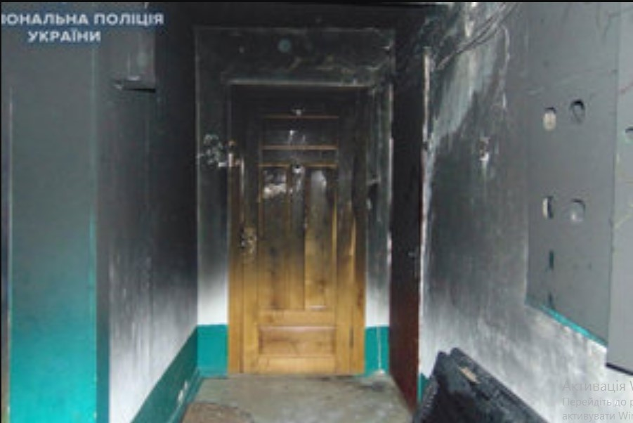 «Горела квартира и гараж»: Неизвестные оставили депутату и мэру «сувенир» от поджога