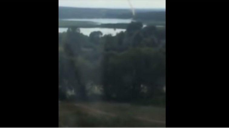 «Люди напуганы»: Киевлянин снял на видео смерч, который пронесся над столицей (Видео)