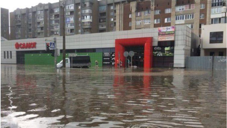 «Сколько там дней шел дождь?»: В Сети показали жуткие последствия стихии на Западной Украине