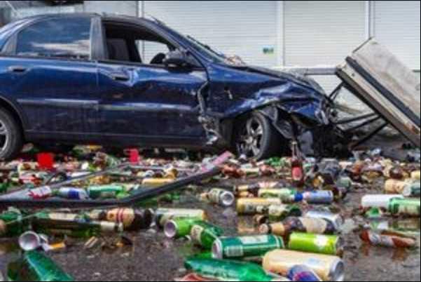 Водитель, который снес киоск и ранил 3 человек, был пьян: Детали ДТП