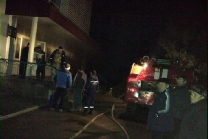 Во Львове неизвестный бросил взрывчатку в магазин где находились люди