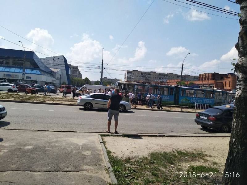 «Ампутировали ногу, а также …»: Во Львове женщину сбил трамвай