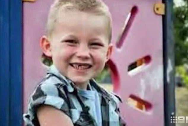 «Месяцами бил ребенка и тушил об него сигареты»: Изверг жестоко убил 9-летнего сына за невинную шалость