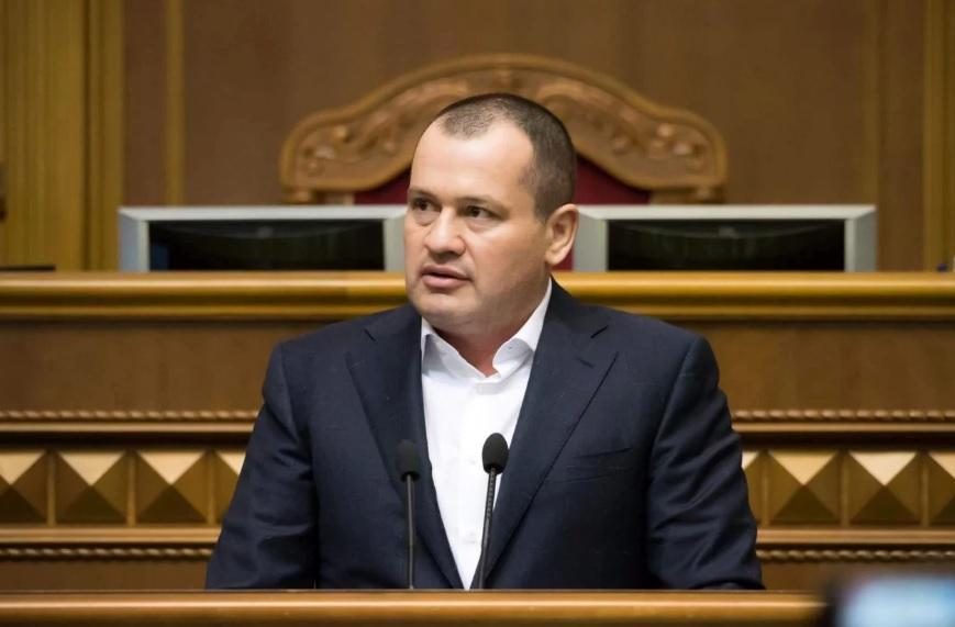 «Скандальный сутенер, спонсор и кум Виталия Кличко»: Что известно о народном депутате Артуре Палатном